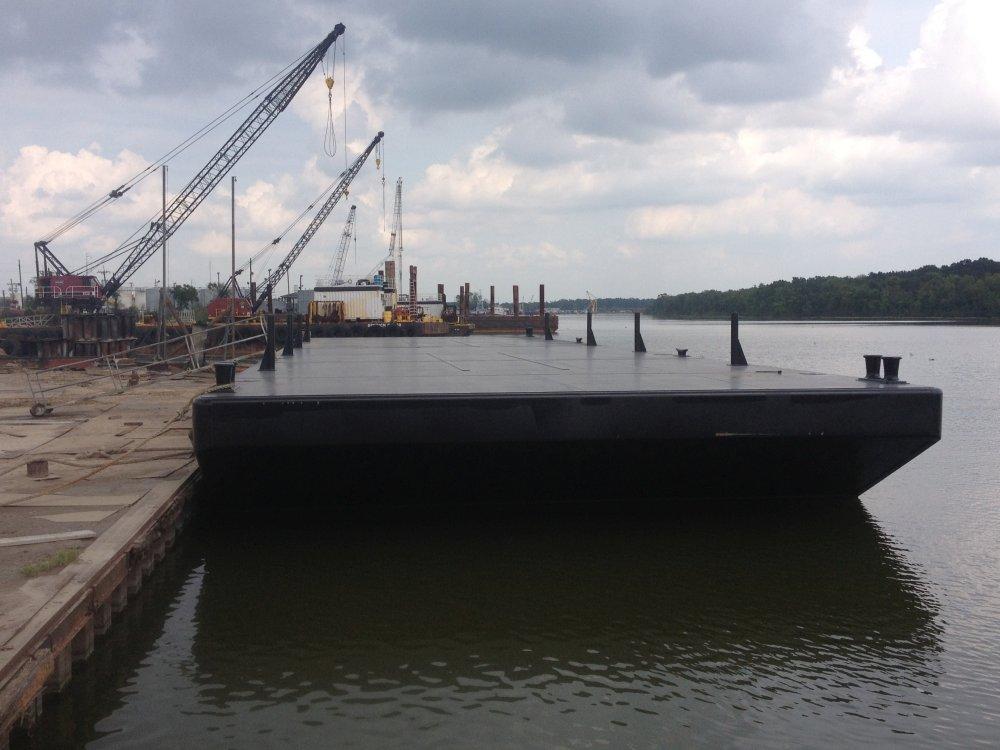 140' x 40' Deck Barge