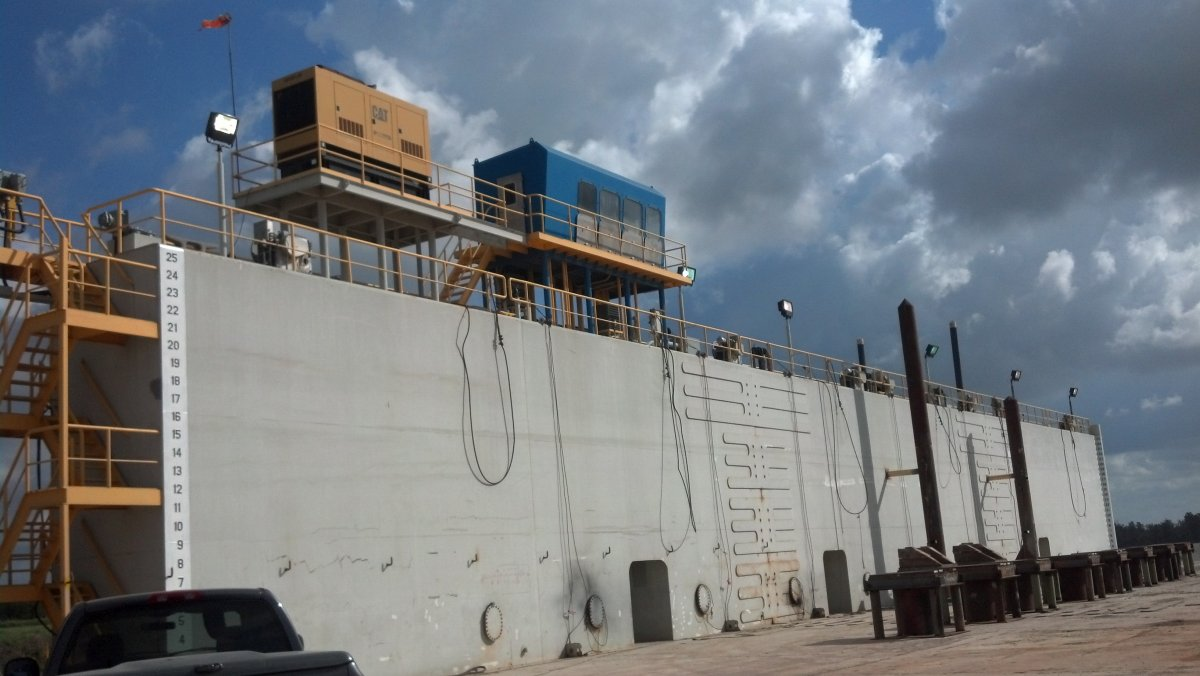 240' x 160' Steel Floating Dry Dock