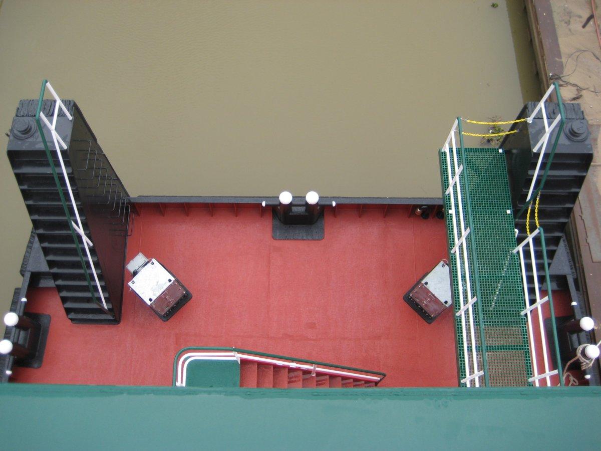 78' X 34' TWIN-SCREW PUSH BOAT