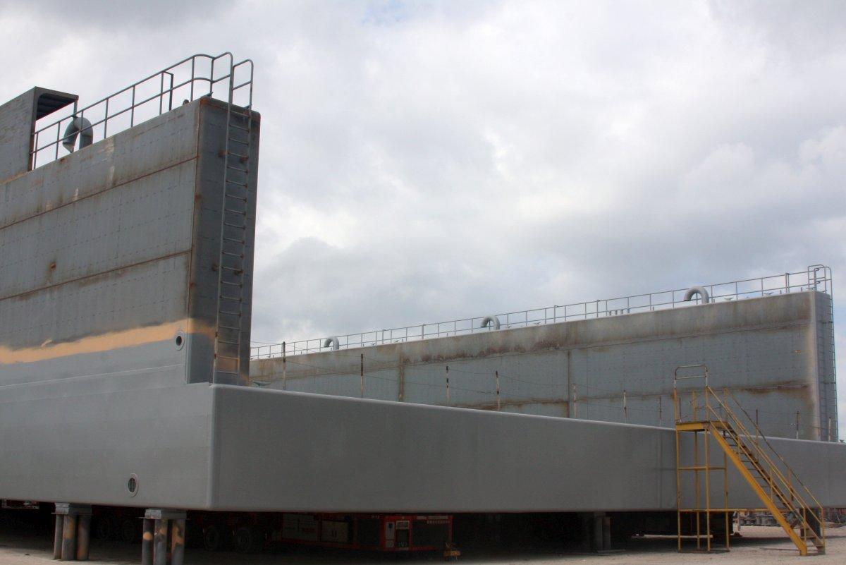 200' x 100' Steel Floating Dry Dock