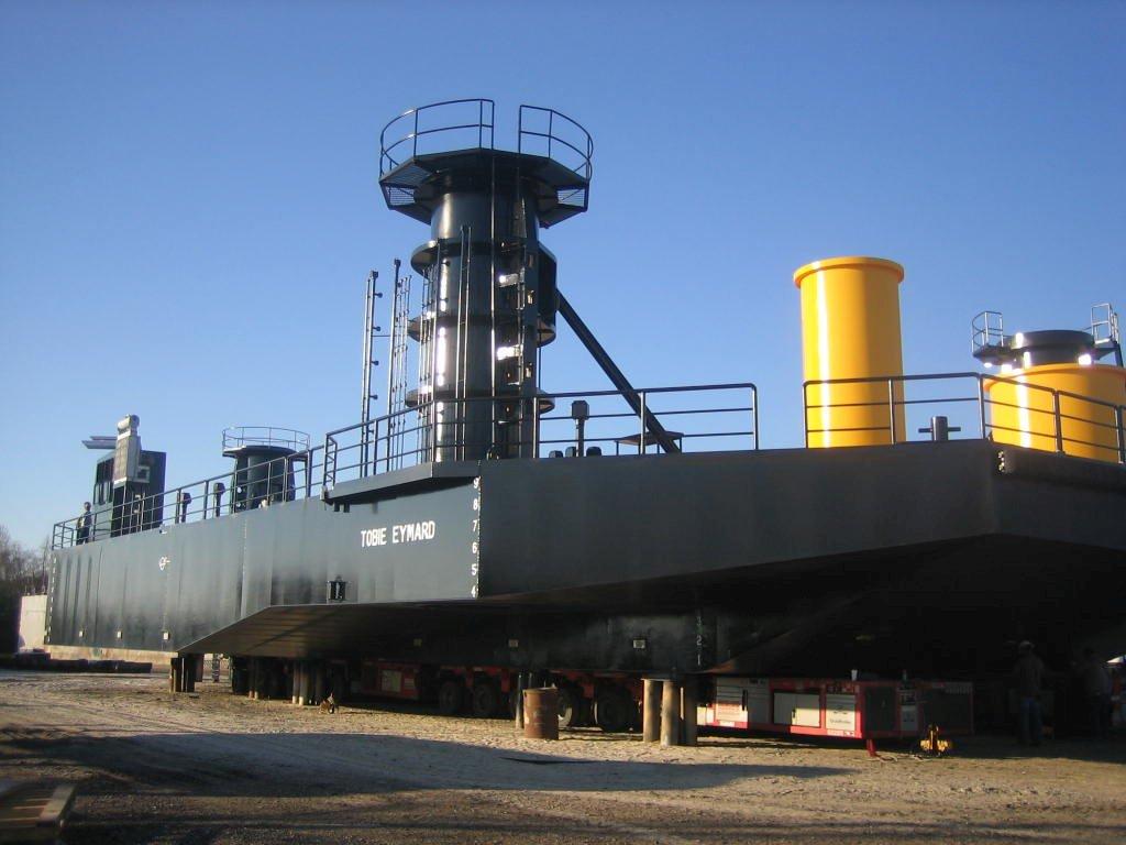 Class 215 Liftboat Hull